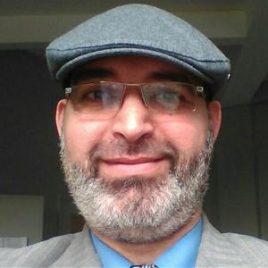 Dr. Amir Salah